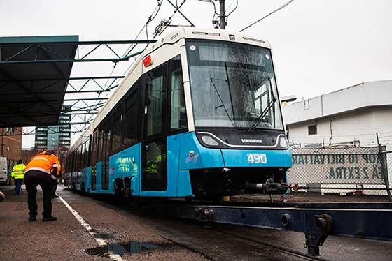 Nu är Göteborgs nya spårvagn här